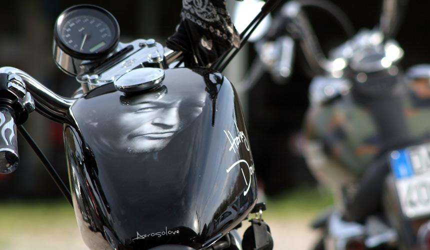 Aerografia, airbrush, custom, paint, Harley Davidson, caschi, moto, auto, disegni, drawing, disegni, arte, ritratti, aerografo, Trento